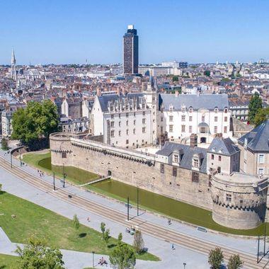 Nantes-vtc-visit-tourist-44-driver-prive-montaigu-85